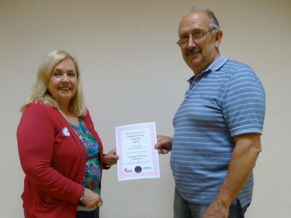 Lynda Barnes (current Office Volunteer & Newsletter) with Roger Howells (Current Chairman)